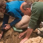 05_2015_07_30_EMAProject_Germany_Excavating-Hohle-Fels